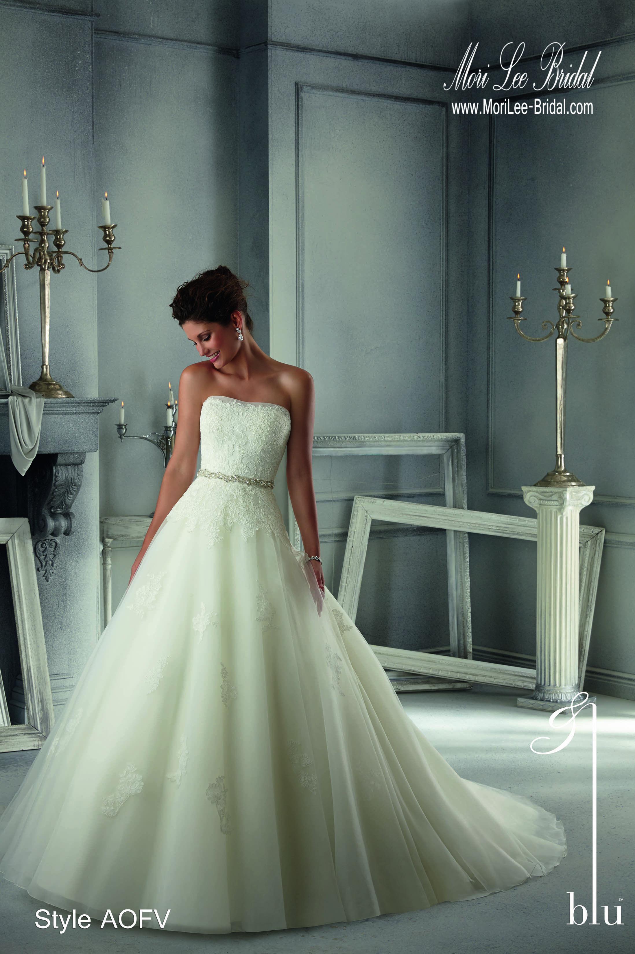 Vintage wedding dress under 500  Style AOFV Alencon Lace on Tulle with Beaded Organza Sash