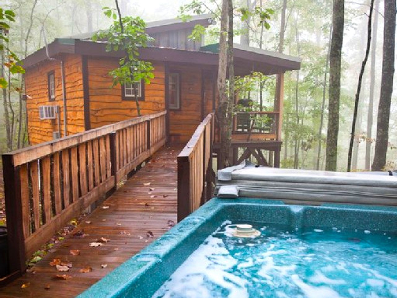 Cozy Little Tree House Tucked Away in the Woods near ...