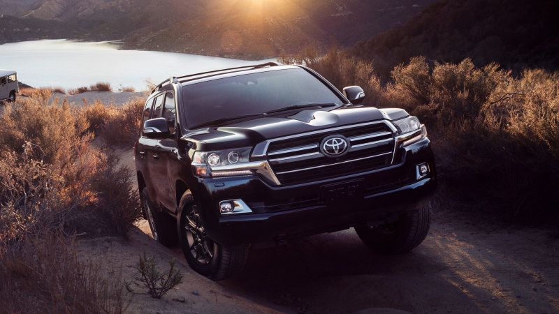 2020 Toyota Land Cruiser Heritage Edition Gets An Old School Touch Land Cruiser Toyota Land Cruiser Toyota Land Cruiser Prado