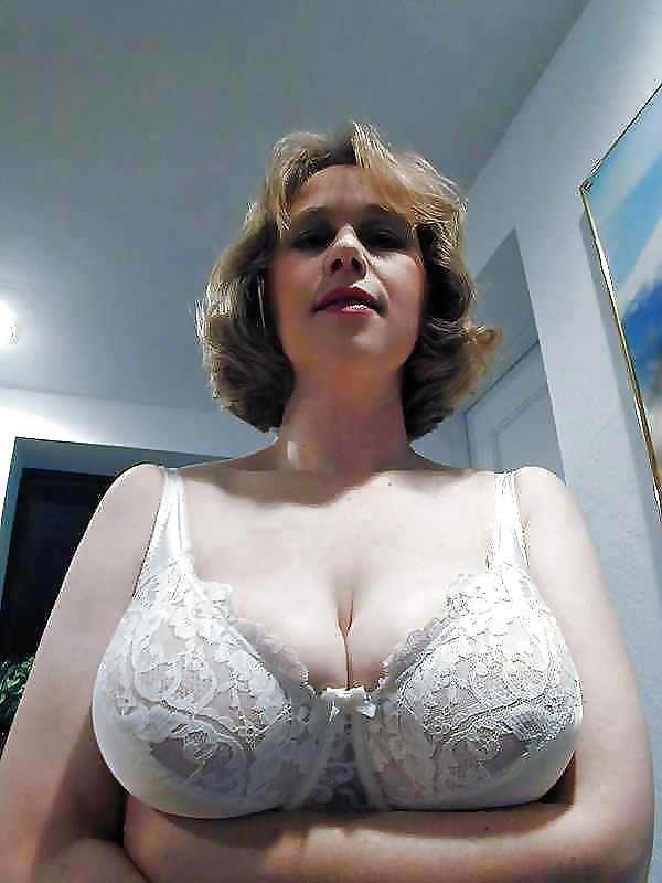 Alte Vintage Mature Big Breasted