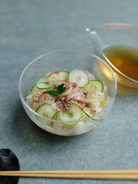 [Recipe] Cold Dashi-Chazuke (dashi poured over rice) with Shiokara (salted squid intestines) / The rich Umami flavour of Shiokara matches with pure and tasty Dashi