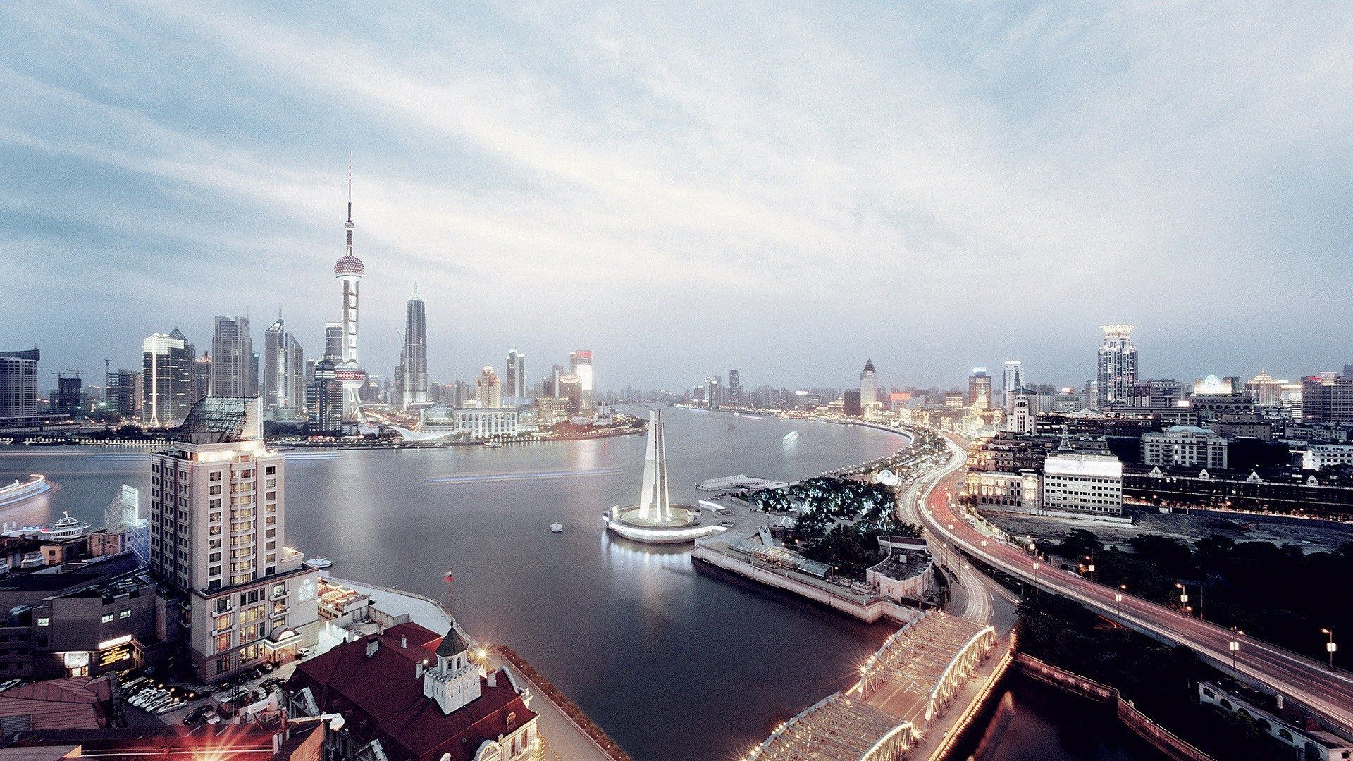 http://hdwallpapersdesktop.com/wallpapers/wp-content/uploads/uncategorized/08/22/shanghai-skyline-1920x1080.jpg