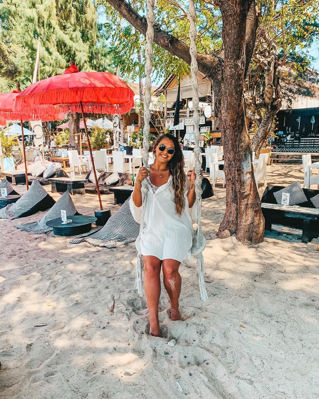 G I L I  T 🏝 Paradise Island 📍 If your going to Bali you definitely need to make a trip over to the Gili Islands! 🛥 we're also staying on Gili Air in a couple of days too ❤️ Beaches full of bean bags, swings and love music 🌴 HAPPY SATURDAY 📷 . . . . cover up from @zara → adding