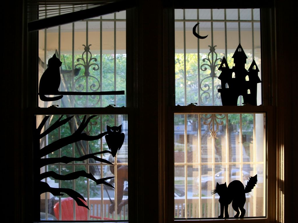 Halloween window decorations - Halloween Window Decorations Ideas To Spook Up Your Neighbors