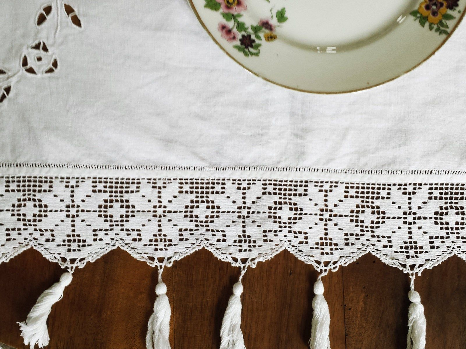 Antique Embroidered Tablecloth White Tablecloth Embroidery Crochet Pompon Decoration Wedding Decoration Shabby Chic Linen Mothers Day