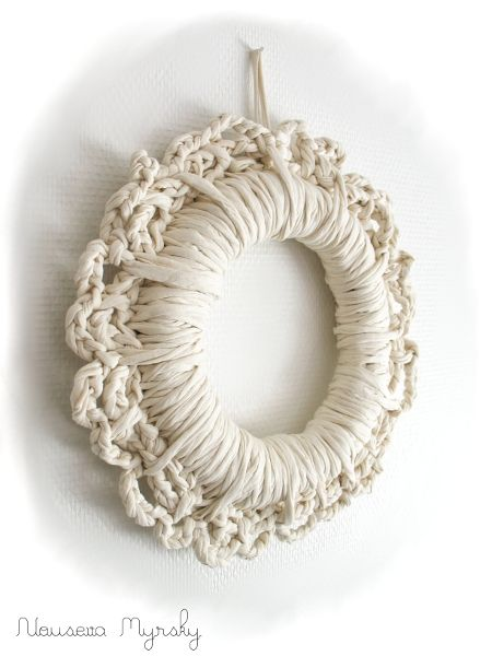 Photo of Crochet wreath. This link seems to be wrong, but just look at this wreath …