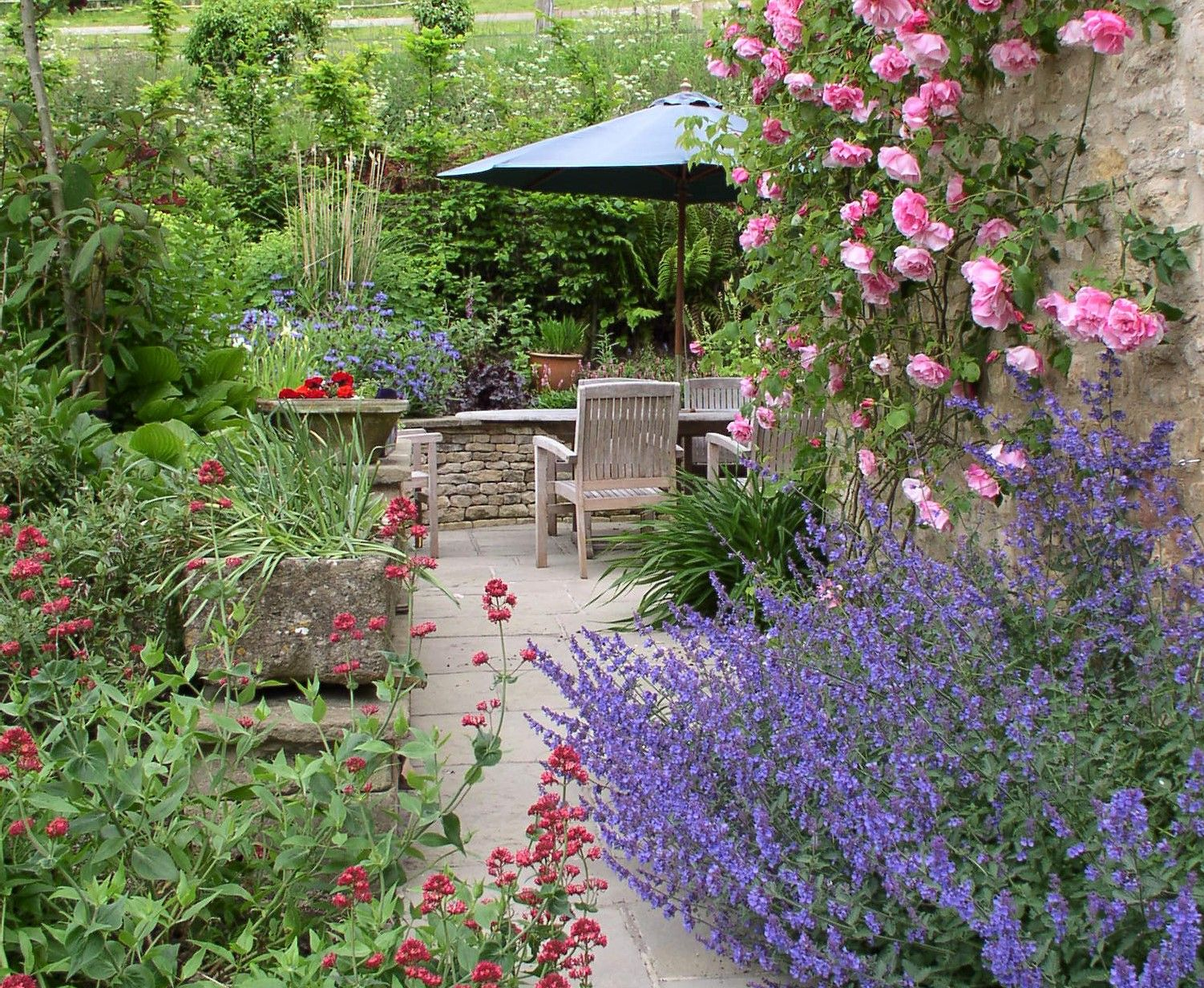 Rose Garden In The Cotswolds Country Garden Design With Outdoor Living Space Garden Design Country Garden Design Country Gardening