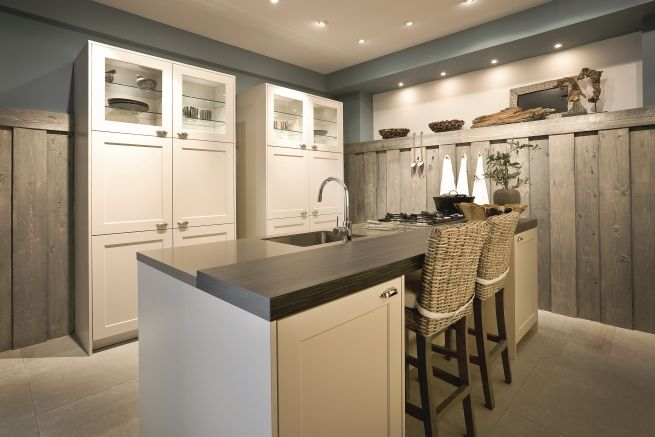 SieMatic Kitchen Interior Design City Country - White Cabinetry ...