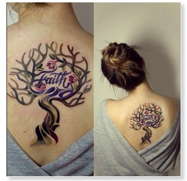 Lebensbaum Baum Tattoo Rücken Schulter Schultertattoo