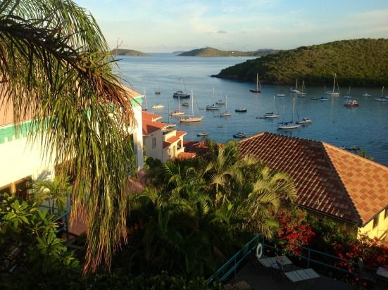 AWESOME OCEAN VIEWS, CLOSE WALK TO DOWNTOWN. St John