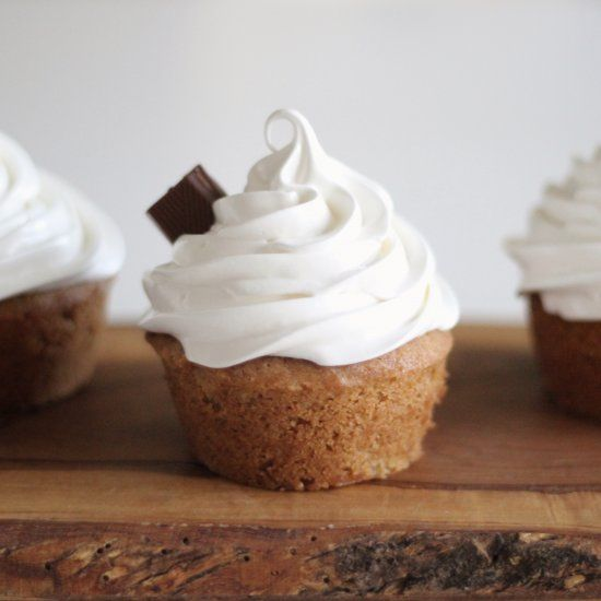 S Mores Cupcakes Gluten Free A Plume Of Meringue Frosting Tops
