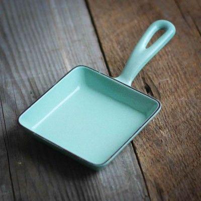 Vintage Cast Iron Enamelware Skillet | http://shop.beardandbonnet.com