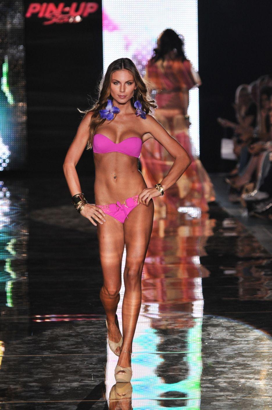Bikini Marina Calabro nudes (12 foto and video), Ass, Fappening, Selfie, lingerie 2020