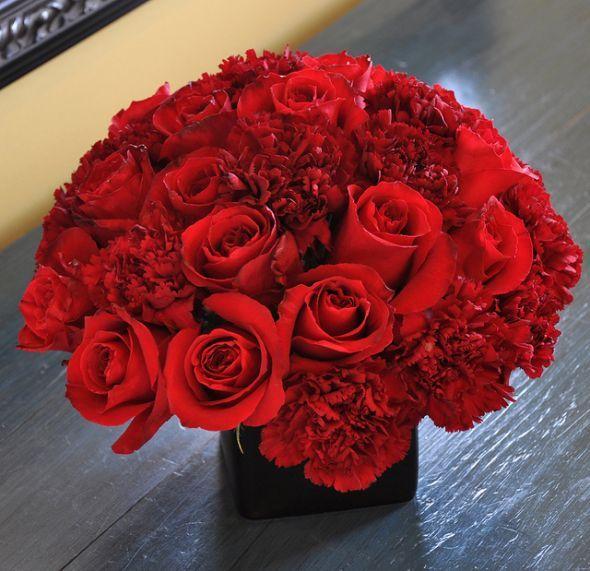 Roses Carnations Weddingbee Red Roses Centerpieces Carnation Centerpieces Rose Centerpieces