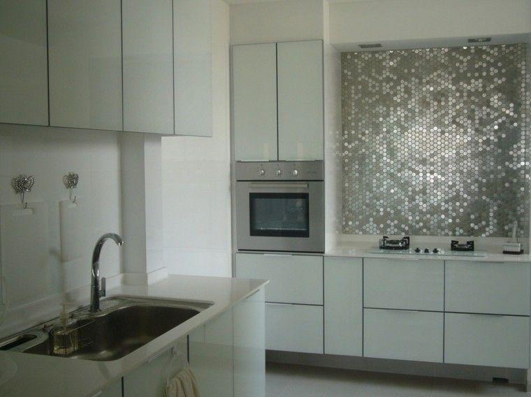 mosaico metalico en la pared de la cocina moderna   Cozhinas ...