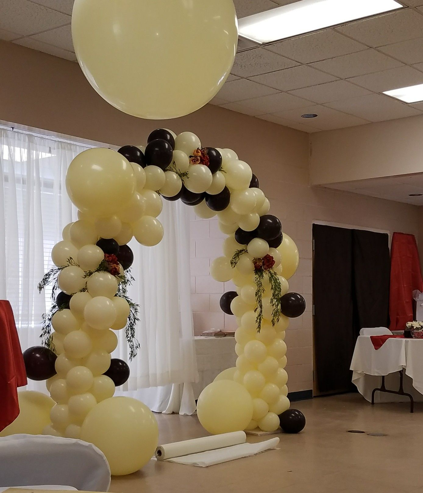 organic balloon arch for wedding by Events By Car'Lisa Balão