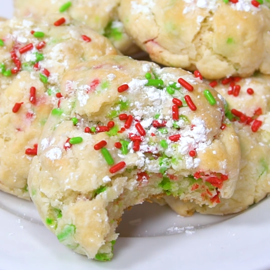 Gooey Butter Christmas Cookies Recipe - These soft and chewy Christmas cookies are perfect this holiday season! #Cookies #ChristmasCookies