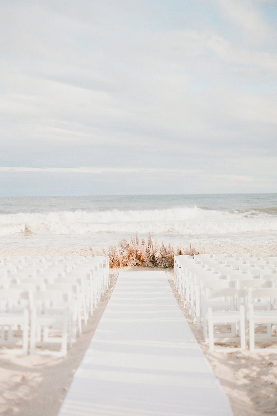 From Jainé At Brklyn View Photography Meredith And Tyler S Wedding Day Started Out With The Brisk Tail Winds Of A Remaining Hurricane