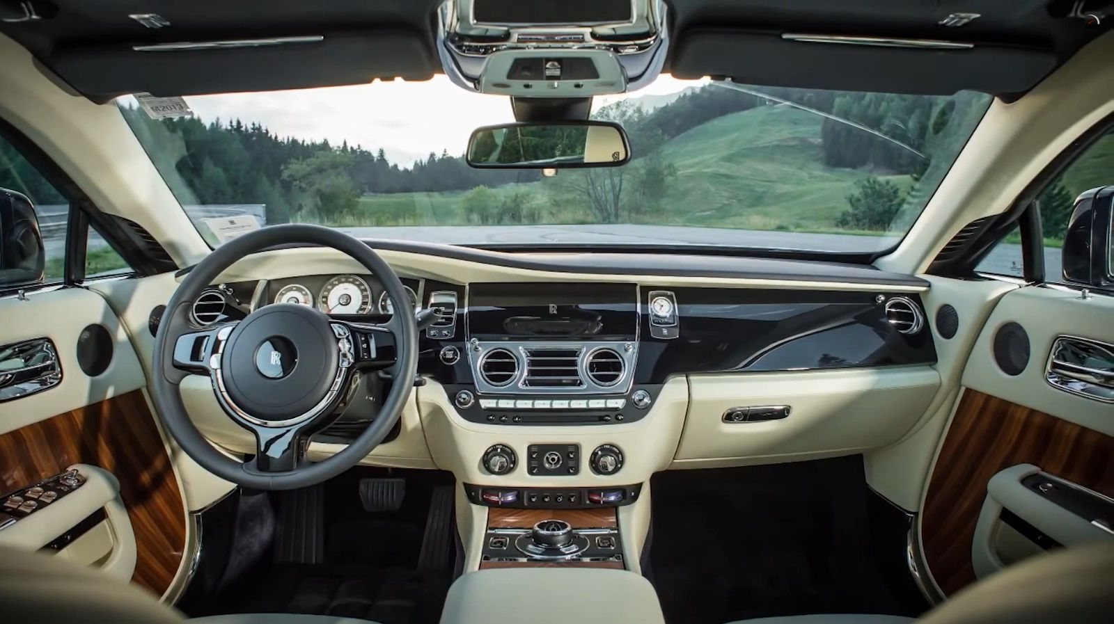 2014 rolls royce wraith interior an absolutely gorgeous vehicle click for full wallpaper for. Black Bedroom Furniture Sets. Home Design Ideas