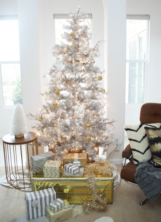 37 awesome silver and white christmas tree decorating ideas rh pinterest co uk