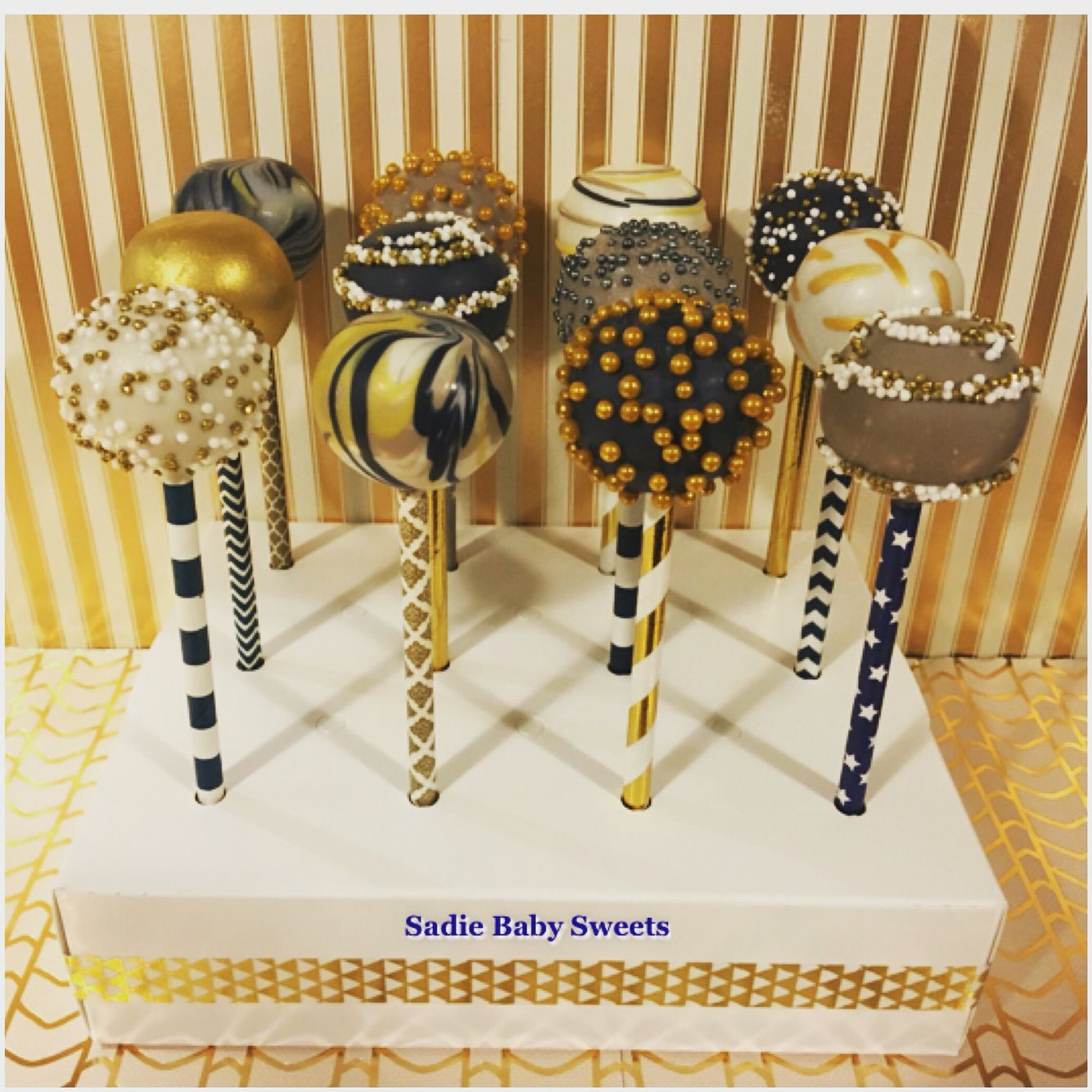 Upscale modern cake pops. Boutique client order. | Cake ...
