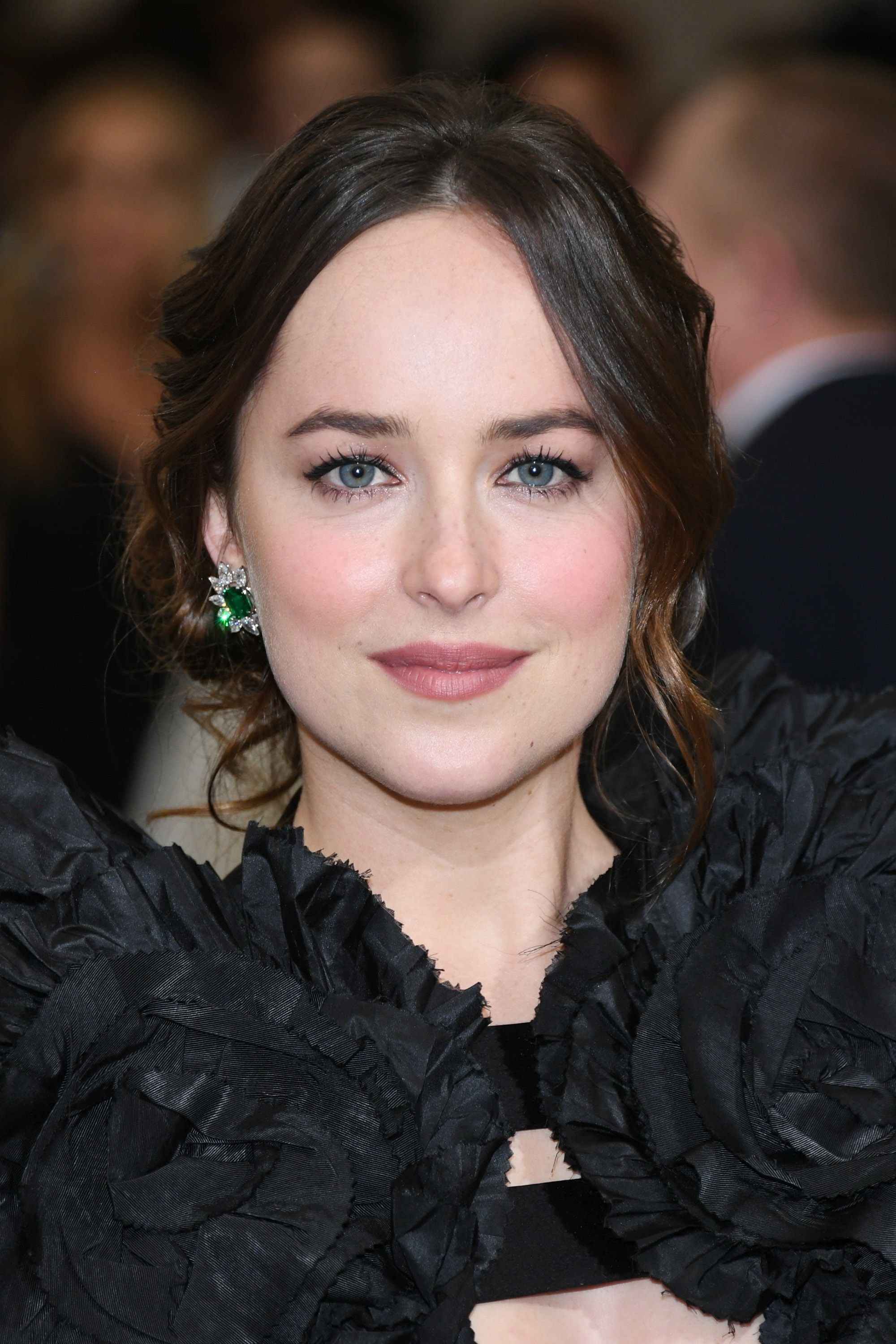Dakota Johnson Teases Gucci in Bloom Photoshoot (the latest from ...