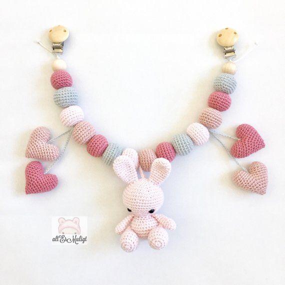 Photo of PDF-Muster altErMuligt's Bunny Hearts Kinderwagenkette Dansk Opskrift bei altermuligt.com