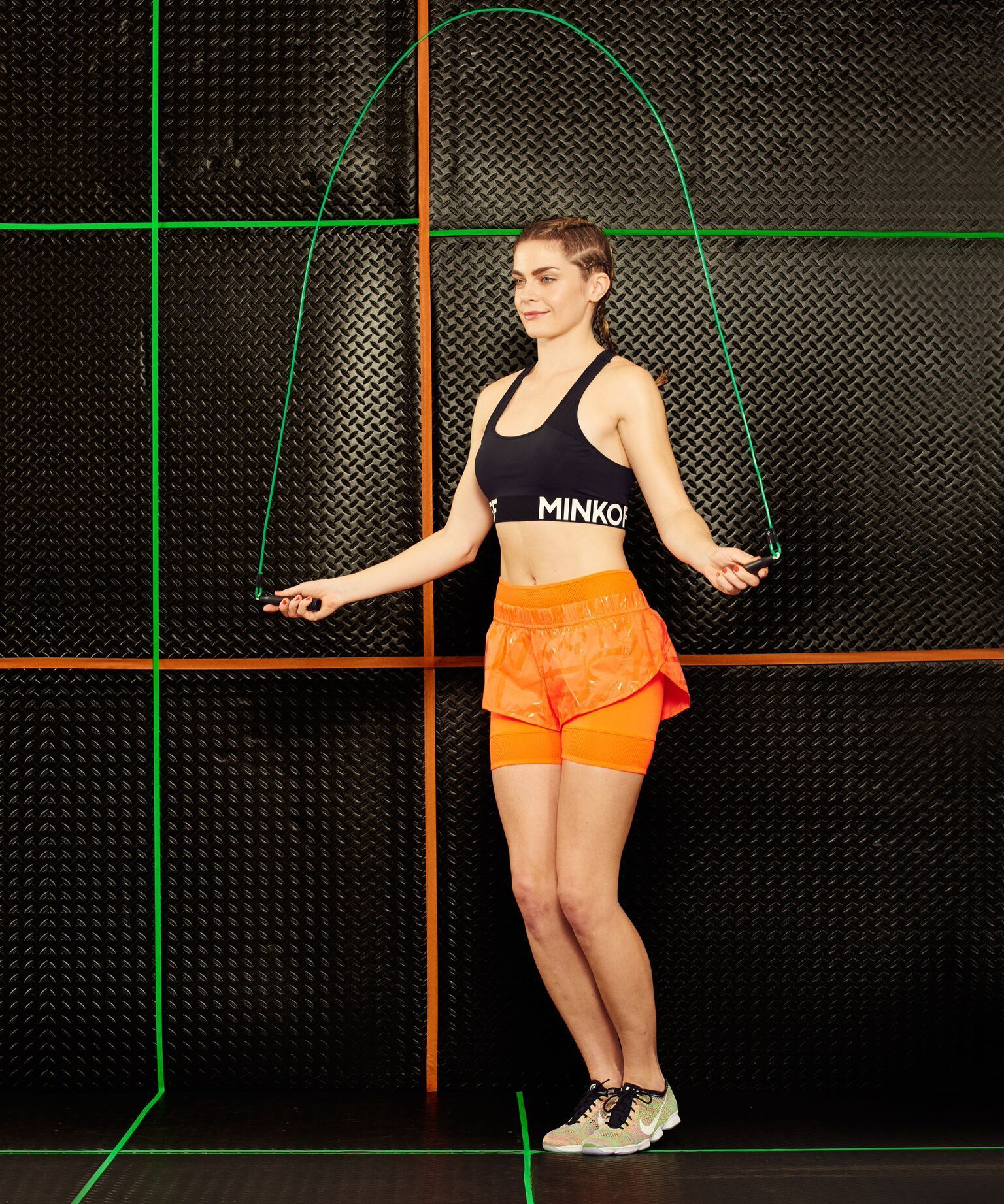 Jump Rope Workout Routine Tips | How to start a jump-rope routine (and actually not quit). #refinery29 http://www.refinery29.com/jump-rope-workout-tips