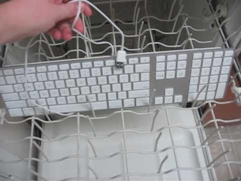 how to clean dust underneath keyboards