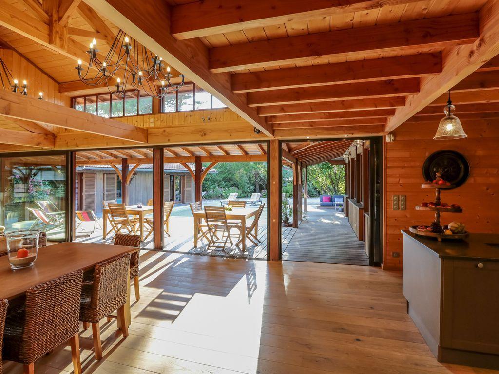 Réservez votre maison de vacances à le cap ferret comprenant 5 chambres pour 10 personnes