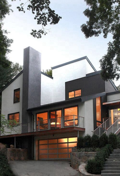 Kinda in a way reminds me of the cullens house in twilight...oh