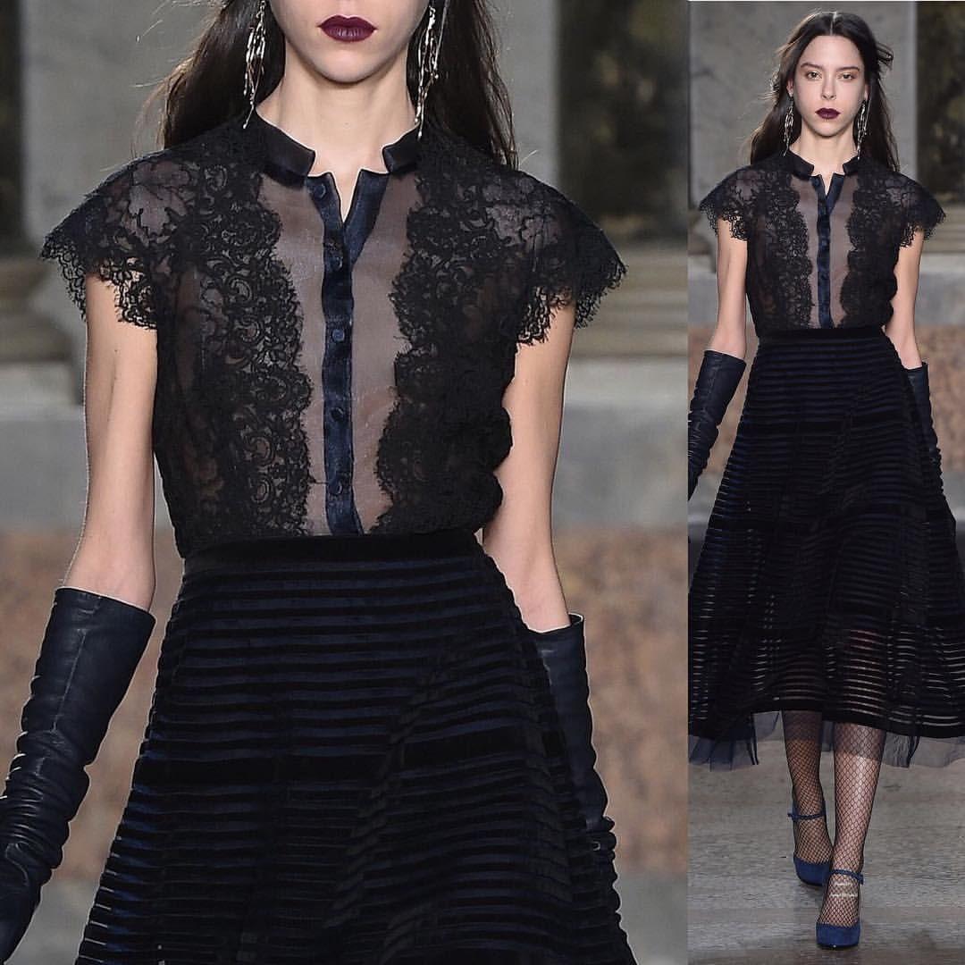 "1,710 curtidas, 5 comentários - Maite Amezquita (@couturefeast) no Instagram: ""Luisa Beccaria Fall 2015 @luisabeccaria_official // #fashion #art #couture #fashionweek #runway…"""