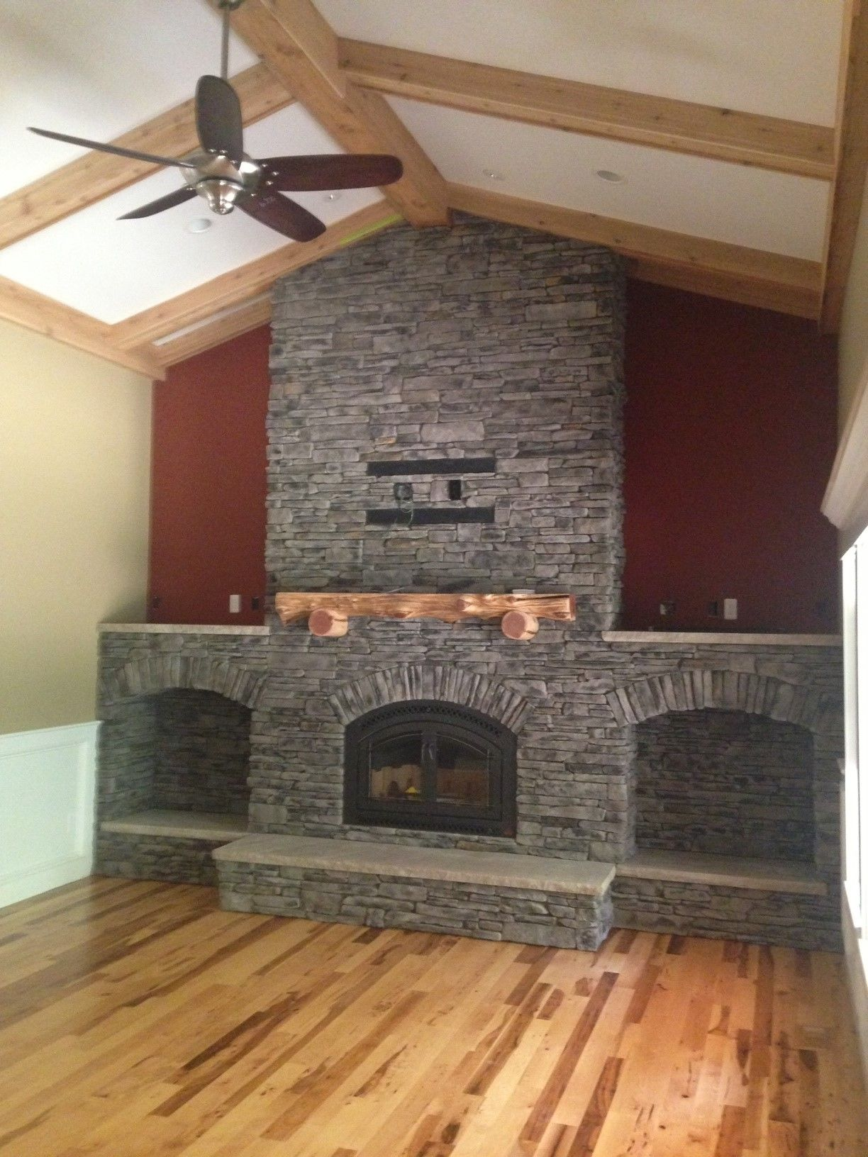 """Grey Southern Ledgestone by Boral Cultured Stone with 44"""" Elite"""
