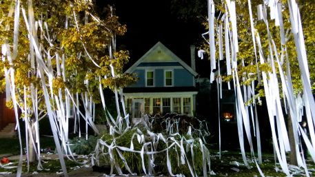 Evanston House Gets Tp D But There S A Good Reason House House Styles Holiday Decor