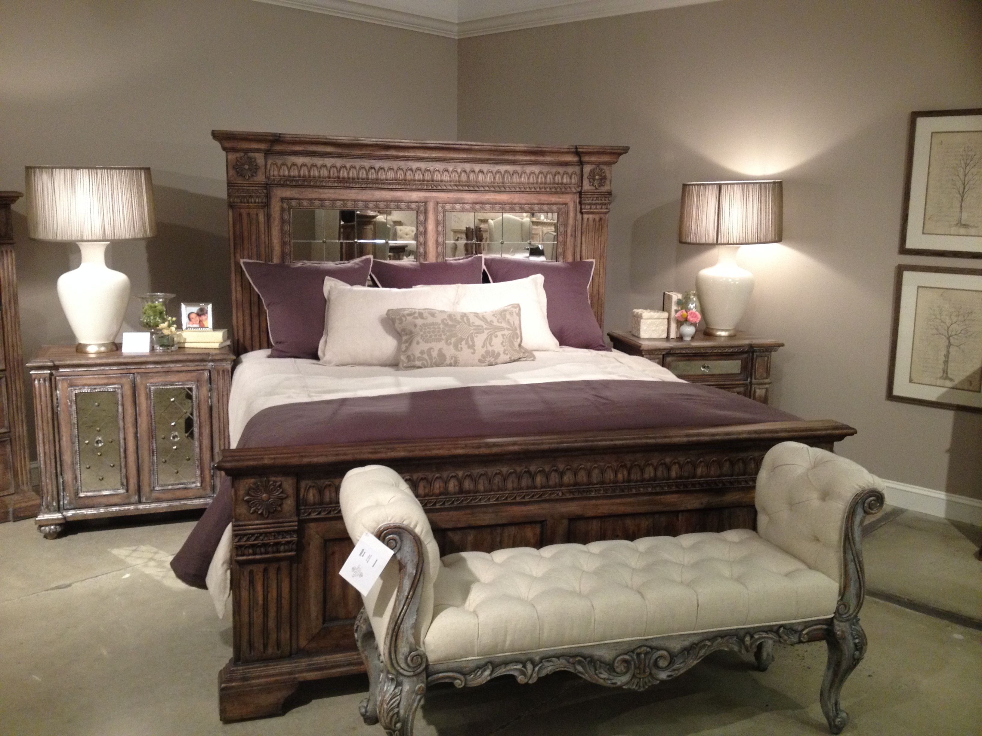 the kentshire bedroom set from accentrics home by pulaski furniture hpmkt accentrics home. Black Bedroom Furniture Sets. Home Design Ideas