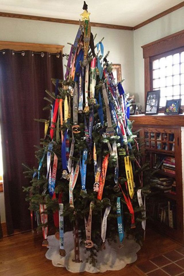 Christmas Running Medals.Pin On This Runner S World