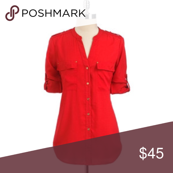 Calvin Klein Button Down Tunic Blouse Adds instant polish to any look! Sleeves can be worn rolled up or full length. 100% polyester with gold buttons. There's a small stain on one edge (see photo, it's not very noticeable), but it is otherwise in perfect condition! Calvin Klein Tops Button Down Shirts