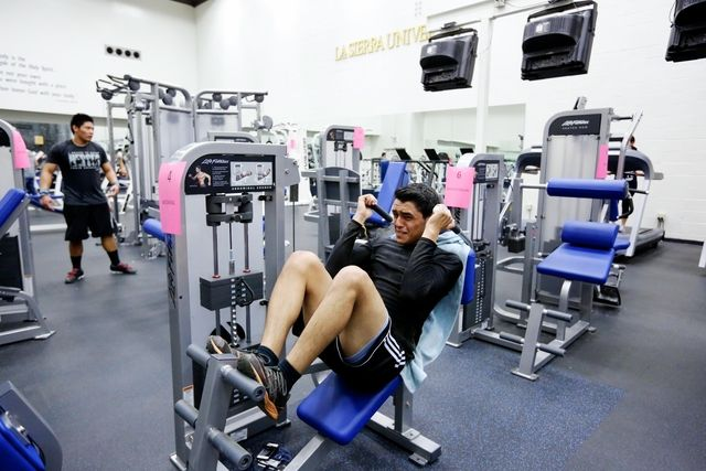 Work Those Abs At The Abdominal Crunch Machine In The La Sierra Fitness Center Abdominal Crunch Abdominal Fitness Center