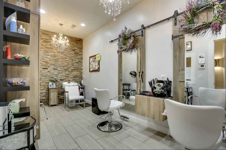 Salon Suites at Hair Essentials Salon Studios  Ideas de sala de