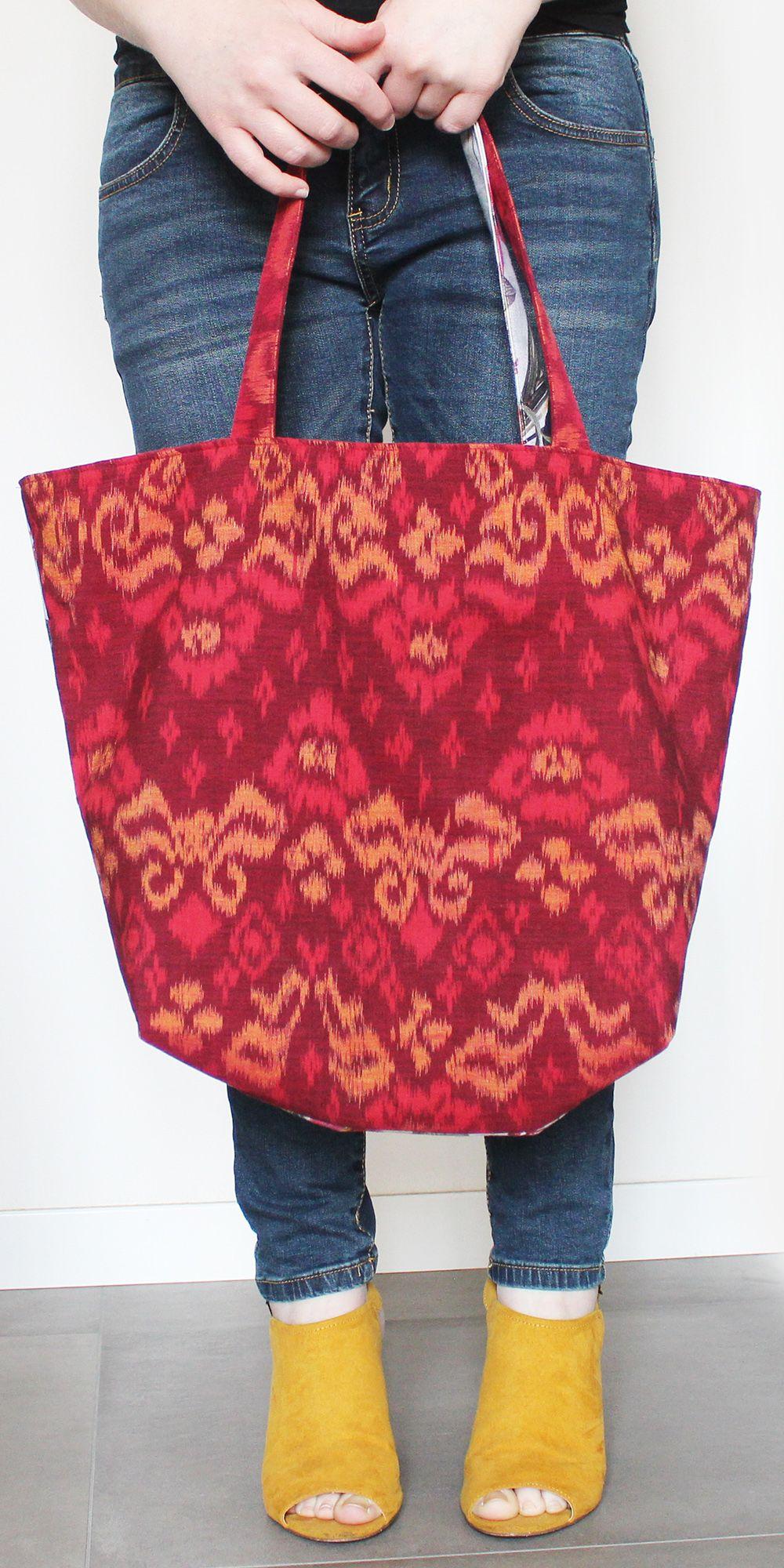Very big bag, perfect for the beach, one of a kind!  .... Borsa molto grande, perfetta per la spiaggia, pezzo unico!