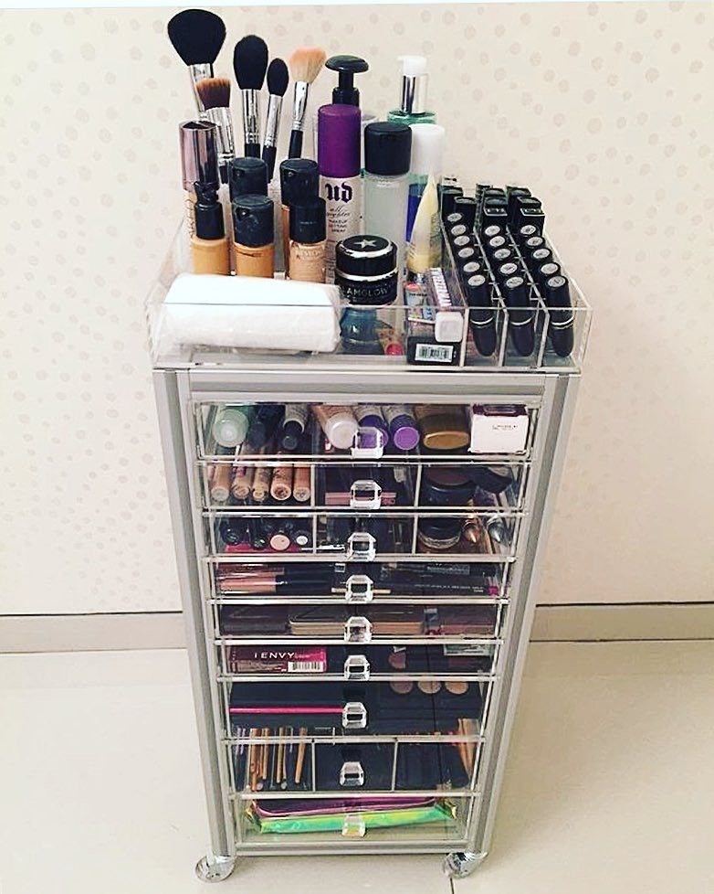 Hubby Organizes On Instagram There S No Way Our Makeup Cart Is