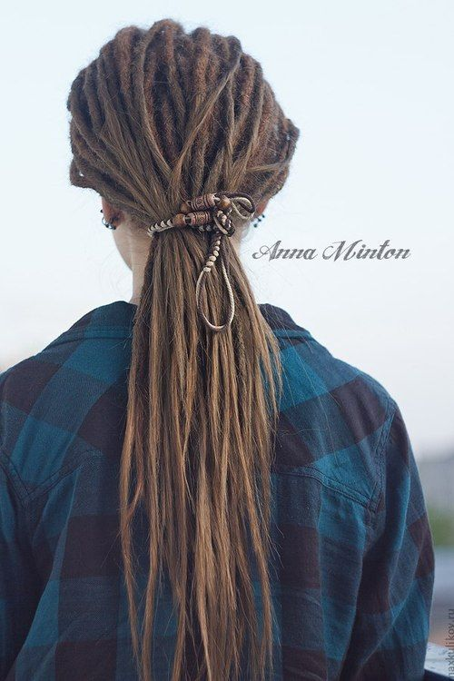 Imagefind Images And Videos About Dread Dreadlocks On We Heart It The App To Get Lost In What You Love Dreadlocks Girl Beautiful Dreadlocks Dreadlock Styles