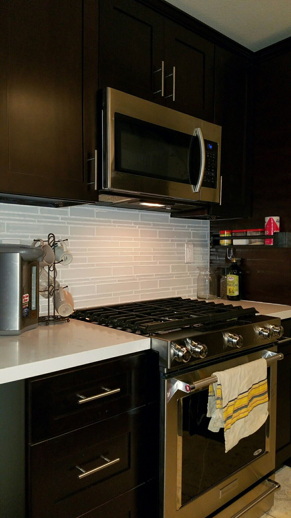 My Tiny Kitchen Feels A Lot Bigger And More Functional Now Black Shaker Cabinets Cloud River Quartz Counter
