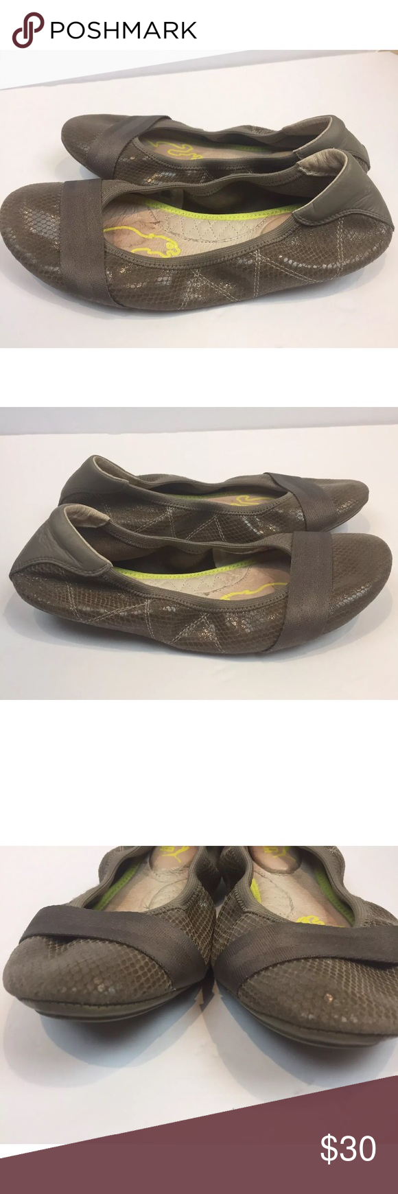 2cc68d29bbc Puma Woman s Brown Leather Ballet Flats shoes SZ 8 Puma woman s leather  brown Stretchy ballet flats size 8 Med. Good pre owned condition.