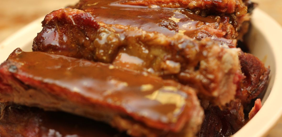 You have to try the FAMOUS SIMS BBQ RIBS! 501-372-6868