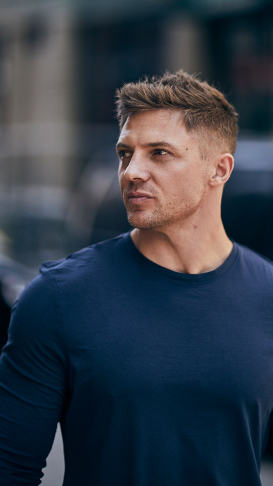 Steve Cook is wearing the Solace Longline Long Sleeve T-Shirt in ...