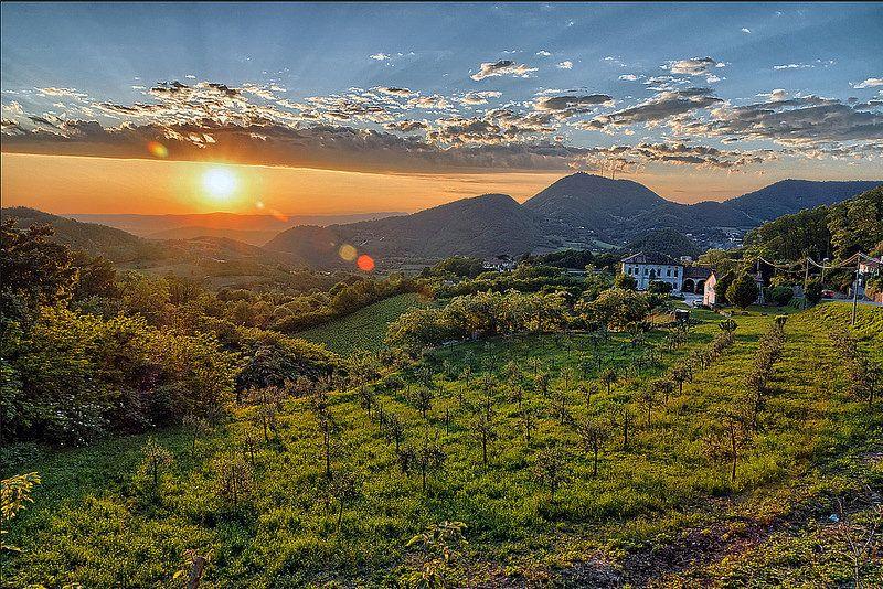 Tramonto da Castelnuovo Tramonti, Italia e Colli