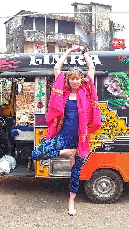 Scaravelli Inspired Urban Yoga in India with Catherine Annis  .... #Scaravelliyoga #yogaimmersion #yogateachertraining #yogauk #yoga #Scaravelliinspiredyoga #urbanyoga