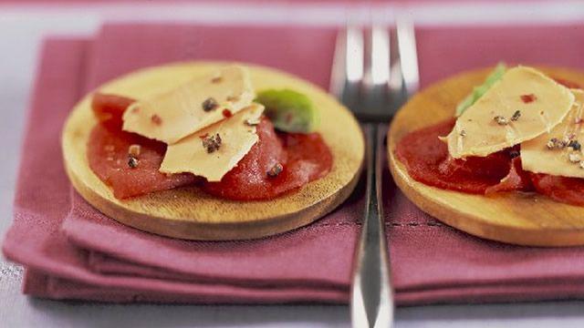 check out carpaccio de boeuf aux copeaux de foie gras it. Black Bedroom Furniture Sets. Home Design Ideas