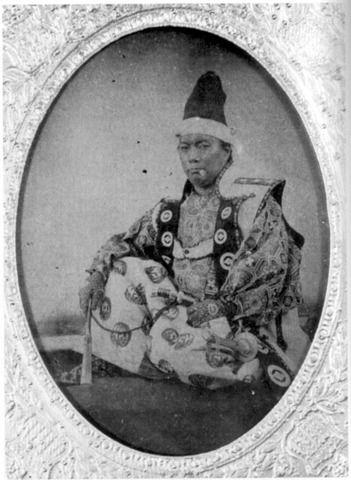1866年以前の撮影。幕末の松前藩主、松前崇広。陸海軍総裁を経て老中と ...